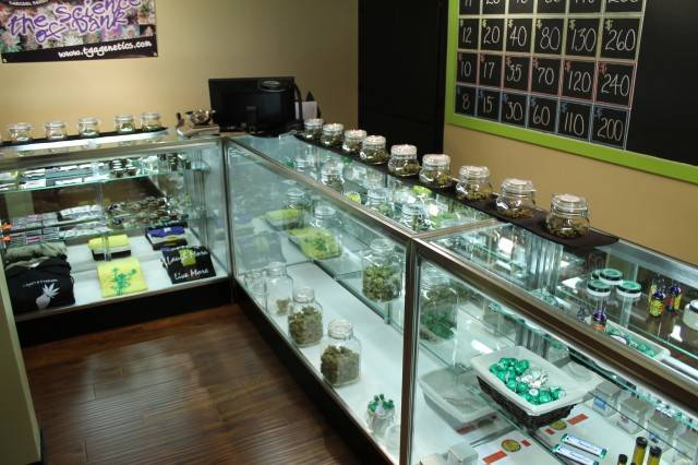 Registro para marihuana en farmacias abriría este mes